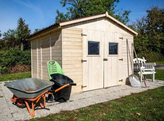 Abris de jardin de 6 m2 en madriers de 20 mm avec sa couverture toiture