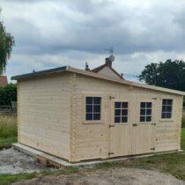 Abri 1/119 en bois massif de 28mm de 17,33 m2 avec son toit multidirectionnel + couverture avec le montage