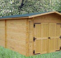 Garage 8 en bois Douglas de 20m² en madriers de 28mm