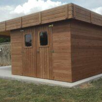 Abri 9-71 à toit plat en THT en panneaux de 28 mm de 20m² avec le bûcher + couverture toiture
