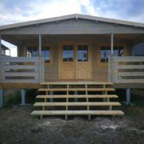 Chalet «Gabel» de 39m²+14m²de terrasse en madriers massifs de 44mm avec sa couverture toiture et son plancher