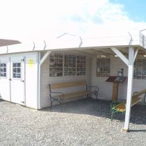 Abri 9-118 de 29m² avec terrasse couverte en madriers massifs 28 mm avec sa couverture en bac acier